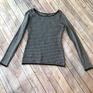 EXPRESS Houndstooth Sweater
